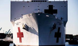 Do portu w Los Angeles w piątek wpłynął statek szpitalny Mercy.