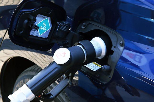Wodór przyszłością samochodów elektrycznych. Sieć stacji powstanie również w Polsce