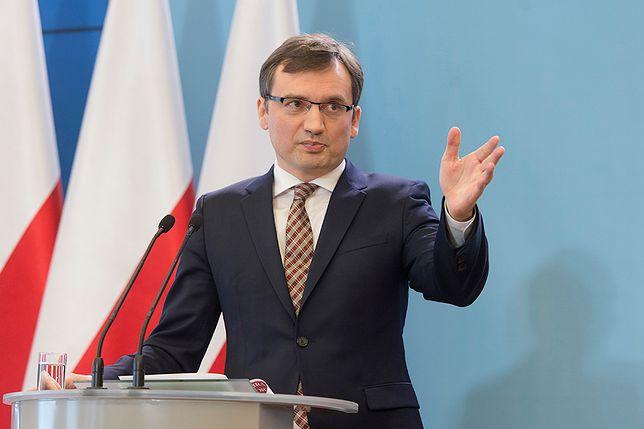 Ziobro w wywiadach pogania i ostrzega prezydenta. Kierwiński i Tomczyk dla WP: brak klasy. Czarnecki: to troska