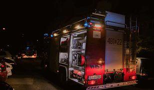 Śląskie. Pożar bloku w Jaworznie, ewakuowano nocą ponad 100 osób
