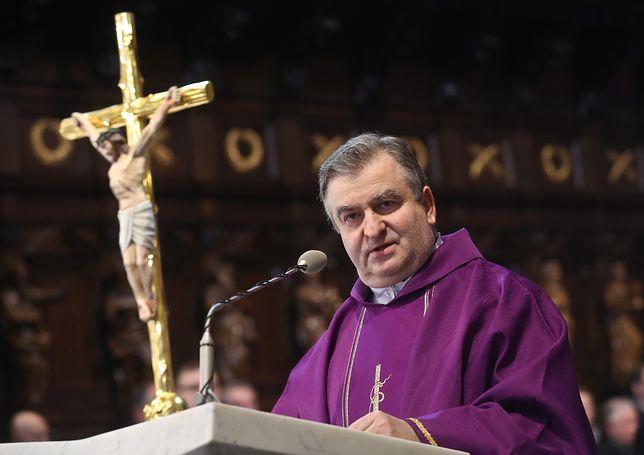 Ks. Bogdan Bartołd (na zdjęciu): Środa Popielcowa rozpoczyna czas oczekiwania na zmartwychwstanie Jezusa Chrystusa