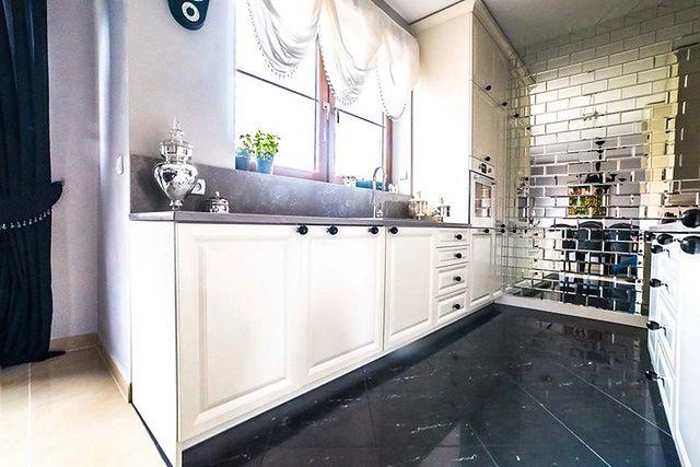 W kuchni w stylu industrialnym sprawdzi się betonowy blat kuchenny