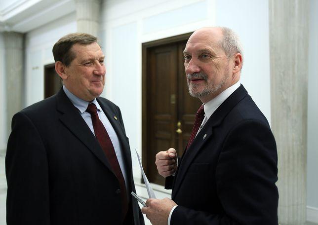 Jacek Rońda to były doradca naukowy zespołu parlamentarnego ds. zbadania katastrofy smoleńskiej, któremu przewodniczy Antoni Macierewicz