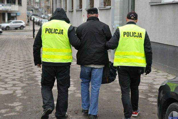 Gietrzwałd: policjanci zatrzymali pedofila. Ukrywał się przez 17 lat