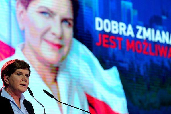 Konwencja PiS w Katowicach. Szydło: przedstawiam konkretny program dla Polski