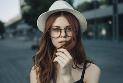 Kwas hialuronowy na włosy. Jak go stosować dla najlepszych efektów?