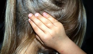 """""""Idealny ojciec"""" gwałcił swoje córki przez 6 lat. Jedna z nich się zabiła. Dziś mężczyzna usłyszał wyrok"""