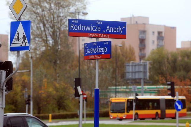 Kolejne warszawskie ulice zdekomunizowane. Co dalej?