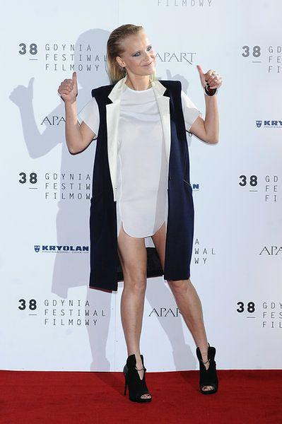 Aktorka pokazała nogi