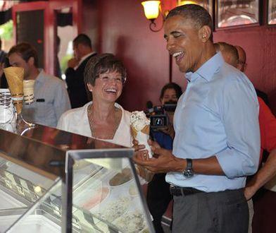 Valerie Jarrett: doradczyni czy zastępcza matka prezydenta Obamy?