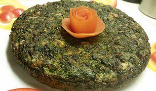 Kuku sabzi – placek z zielonych warzyw i orzechów