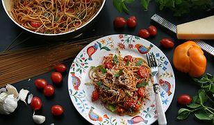 Spaghetti pełnoziarniste z pomidorami