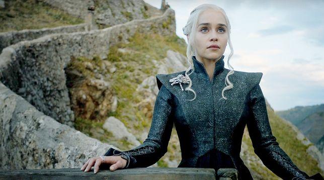 """Emilia Clarke w roli Daenerys w 7. sezonie """"Gry o tron"""""""