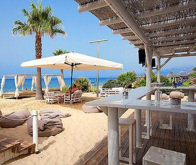 Plaża przy hotelu Playa Granada Club Resort na Costa del Sol w Hiszpanii