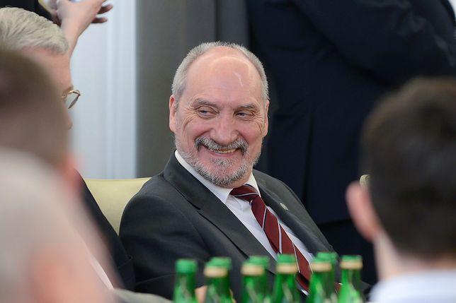 Chrabota: Kaczyński musi pokazać indolencję Macierewicza ws. katastrofy smoleńskiej - to dla niego jedyna ścieżka
