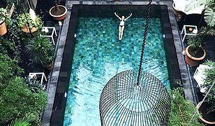 Żyć skromnie, by w podróży opływać w luksusy. 23-latka znalazła świetny sposób