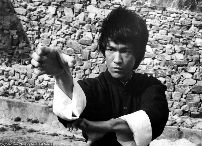 """Bruce Lee na planie filmu """"Wejście Smoka"""""""