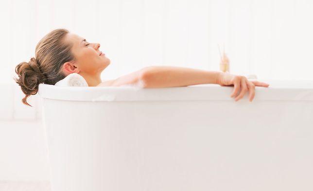 Domowe SPA. Jakie kosmetyki warto mieć w swojej łazience?