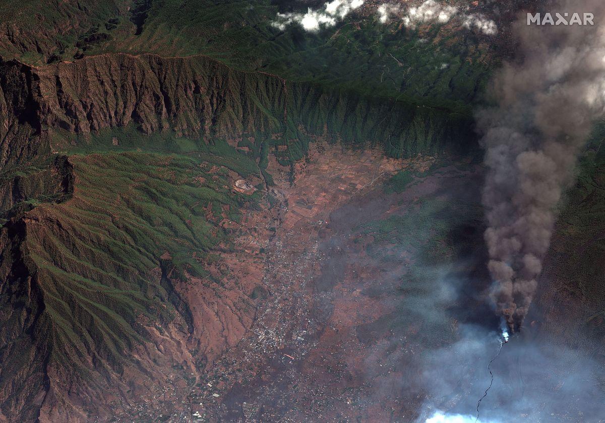 Satelitarne zdjęcie wulkanu na La Palmie