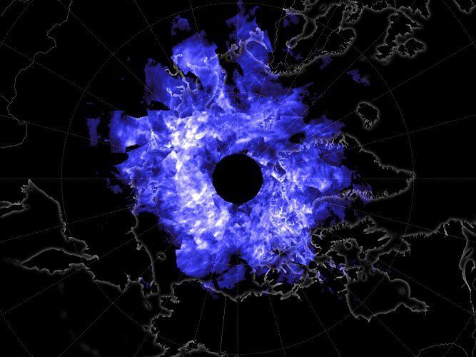 Polarne chmury nad polskim niebem. NASA udostępnia zdjęcia