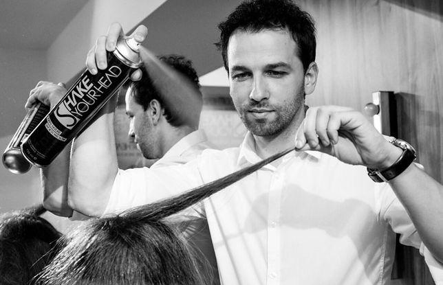 Naturalna i ułożona przez cały dzień fryzura? Teraz to możliwe, dzięki nowej, autorskiej paście do włosów z aktywnym węglem bambusowym od Shake Your Head