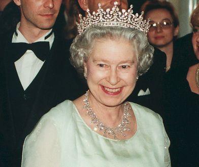 Sekret długowieczności królowej Elżbiety. Ten napój zrobisz w domu
