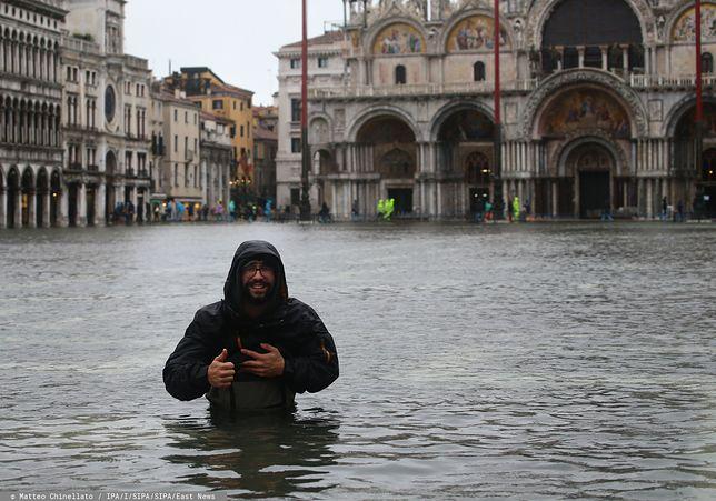 Wenecja pod wodą, są pierwsze ofiary. Zdjęcia i nagrania z największej od 50 lat powodzi