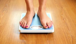 Współczynnik BMI to waga (w kilogramach) dzielona przez wzrost (w centymetrach) do kwadratu