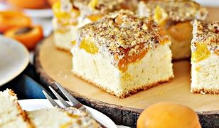 Ciasto z morelami i polewą orzechową. Na słodkie popołudnie