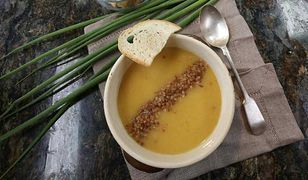 Zupa krem cebulowa. Z grzankami smakuje najlepiej