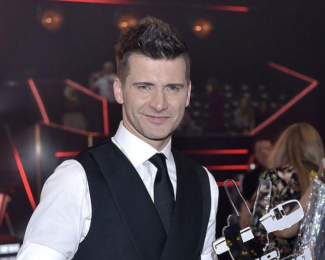 "Tomasz Kammel na planie ""The Voice of Poland"""