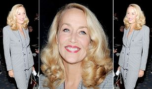 LOOK OF THE DAY: Jerry Hall w kraciastym garniturze