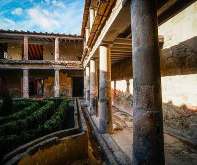Ruiny Domu Kochanków zostały odkryte w 1933 roku