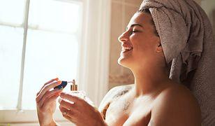 Perfumy na lato. Czy wiesz, jakie nuty zapachowe działają jak afrodyzjak?