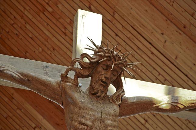 Jezus na krzyżu / zdjęcie ilustracyjne