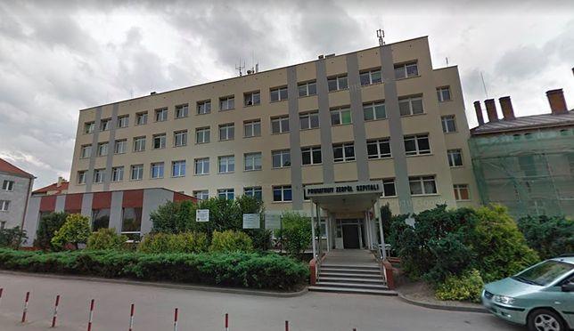 Oleśnica. Rzeczniczka szpitala podtrzymuje stanowisko o rezygnacji. O kontrowersyjnych wpisach dowiedziała się z sieci