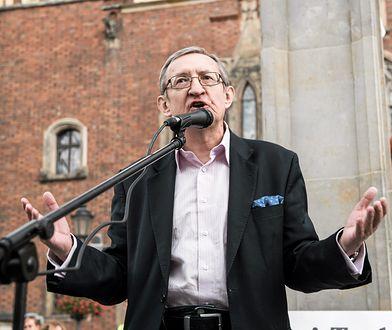 Józef Pinior ma postawione dwa zarzuty korupcyjne.