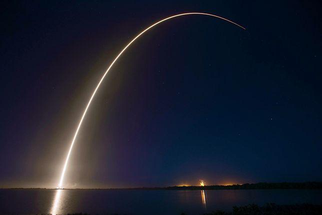 Udany start rakiety Falcon 9
