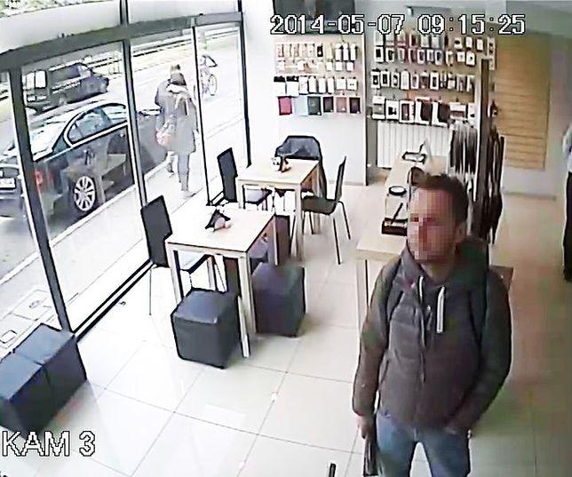 Ukradł telefon ze sklepu!