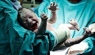 Stresujący poród przyczyną agresji dziecka