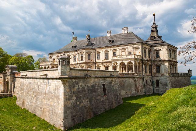 Niszczejący Wersal Wschodu. Oto zamek w Podhorcach