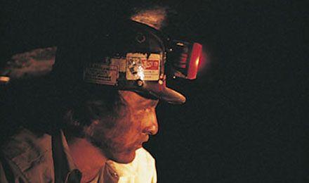 Nadzór górniczy sprawdza jakość wyposażenia górników