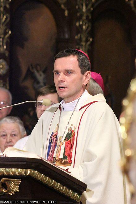 Biskup Mirosław Milewski mówił o problemie pedofilii w Kościele