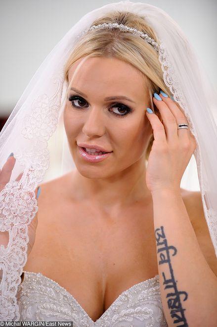 Doda ponownie wyjdzie za mąż. Znalazła okazję, żeby znowu pochwalić się ślubem