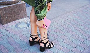 Tatuaż damski na nodze nie musi być elementem dominującym