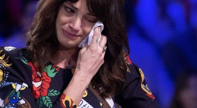 Asia Argento wybuchła płaczem. Prowadząca musiała ją przytulić