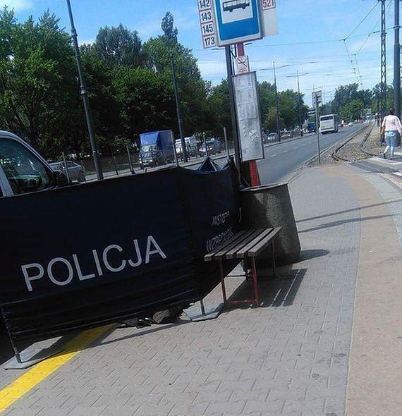 Mężczyzna zmarł na przystanku. Policja wyjaśnia sprawę