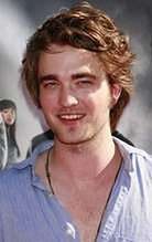 Robert Pattinson niby garnek wrzącej wody