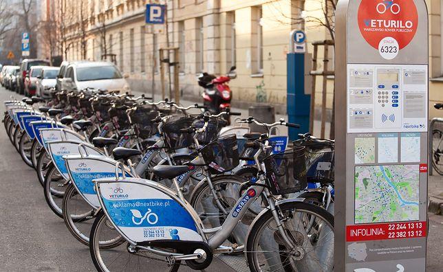 Warszawa. Jedna z ponad 390 stacji wypożyczalni rowerów Veturilo.
