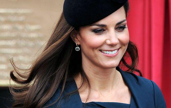 """Ekspert protokołu: """"Royal baby"""" już popełniło gafę - spóźniło się"""